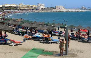 Spanish holidaymakers will now have to self-isolate for 14 days upon returning to the UK. (PA)
