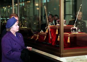 The Queen viewing the Crown Jewels at the Tower of London (Sean Dempsey/PA)