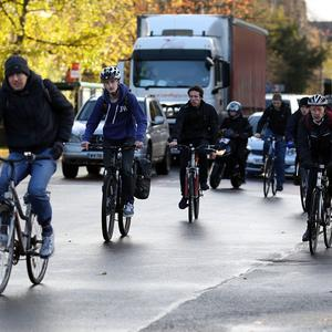 The government is to invest £15 million in cycling facilities at train stations