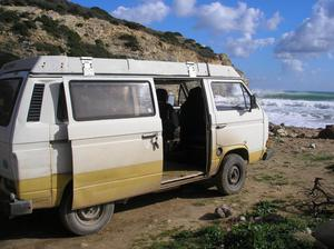 A VW T3 Westfalia campervan that has been linked to the suspect (Met Police)