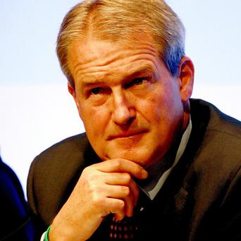 Environment Secretary Owen Paterson will travel to Brussels to speak to counterparts in EU countries on Wednesday over the horse meat scandal