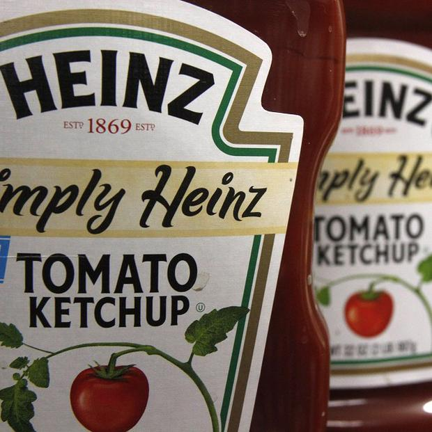 An investment consortium including billionaire investor Warren Buffett plans to buy Heinz for 28 billion US dollars