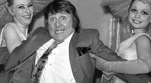 Funnyman Norman Collier became a household name thanks to his broken microphone routine