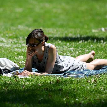 The Bank Holiday weekend will be dry and sunny, forecasters have said