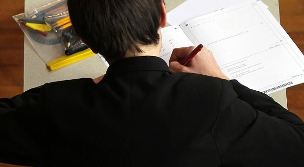 MPs have said that ministers and England's exams regulator Ofqual must pay close attention to expert opinion on exams