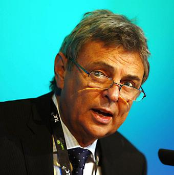 Unison chief Dave Prentis called on the Government to end the squeeze on pay