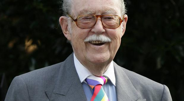 TV veteran Alan Whicker has died at his home in Jersey aged 87