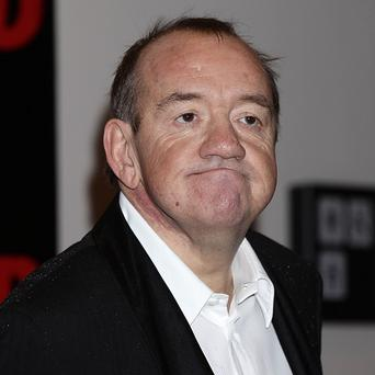 Comedian Mel Smith has died from a heart attack at his home in London, his agent said