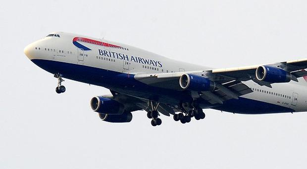 A British Airways jumbo jet has returned to Heathrow Airport shprtly after setting off for Hong Kong due to a
