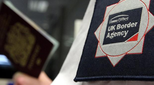 There has been a drop in the number of immigrants arriving in the country, the ONS said
