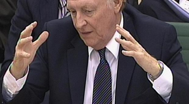 Lord Kinnock has urged Ed Miliband not to support a refendum on the UK's membership of the EU.