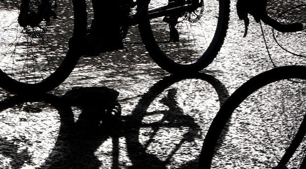 As many as 40% of children aged under 16 use phones and mp3s when riding their bikes, a survey suggests