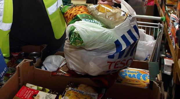 David Cameron has come under pressure to launch an inquiry into why people are turning to foodbanks