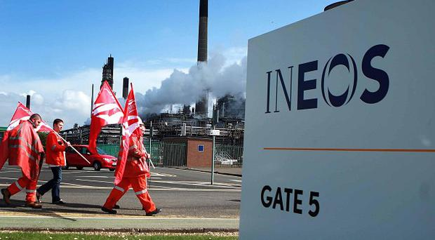Workers will stage a rally outside the Ineos Grangemouth oil refinery tomorrow.