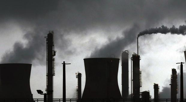 MPs and other supporters will join workers at the Grangemouth oil refinery for a rally outside the plant.