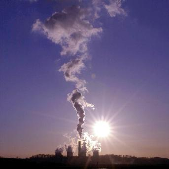 Global CO2 emissions are set hit a record high, say scientists.