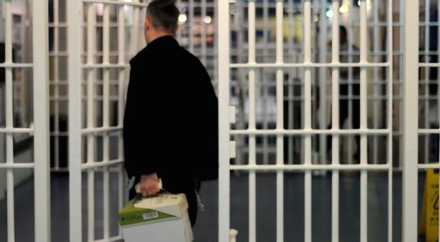 Removing more foreign nationals would help reduce prison numbers and save money, the National Audit Office said