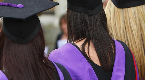 A report highlights the difference in pay between graduates and workers who have completed an apprenticeship