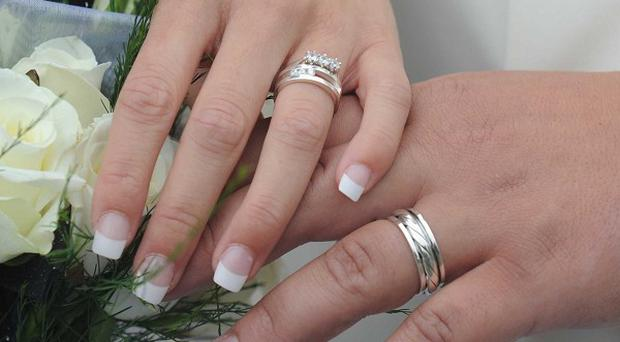 Government advisers have put forward plans to make pre-nuptial agreements legally binding