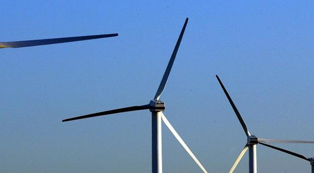 Siemens is to invest £160m in wind turbine production and installation facilities in the UK