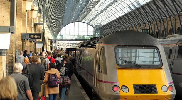 Commuters are making longer journeys to work, new figures show