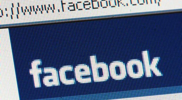 Facebook 'goes down', users take to Twitter to voice panic