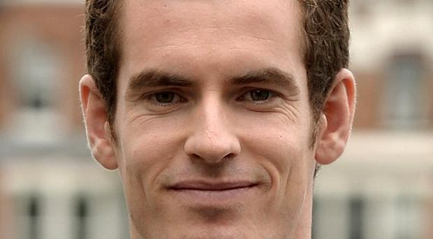 Tennis star Andy Murray is to receive the freedom of Stirling and an honorary degree from the university where he trained as a boy.