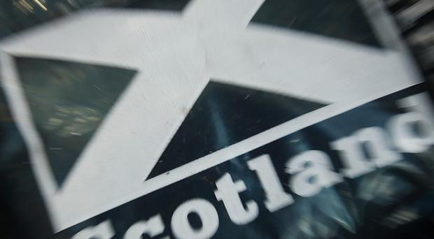 English and Welsh voters want Scotland to stay in the UK, a poll suggests
