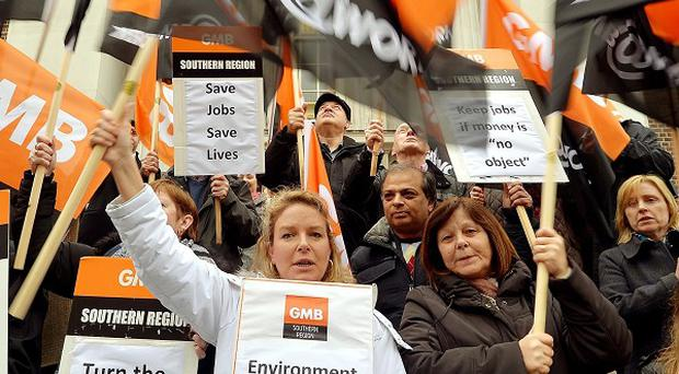GMB members are to urge Ed Miliband to address the issue of zero hours contracts
