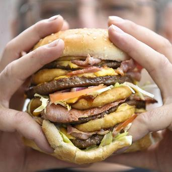 The advertising of fatty foods should be banned, according to a leading expert