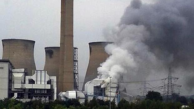 Smoke pours out of Ferrybridge C Power Station in Yorkshire. (Jacob Woodward/PA)