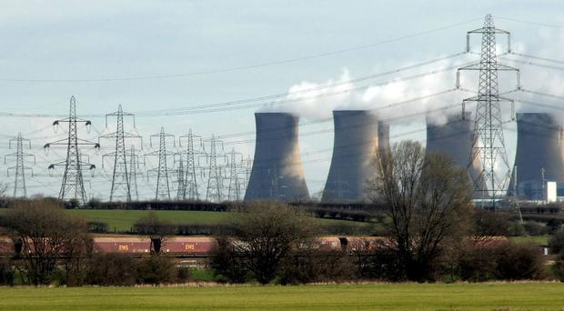 Cutting emissions could leave households £500 better off, research suggests