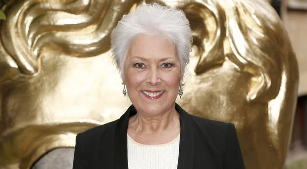 Actress Lynda Bellingham has decided to stop her chemotherapy treatment
