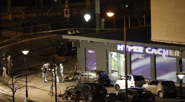 The scene after the storming of the Paris kosher grocery (AP)