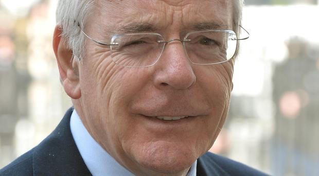 Sir John Major has said a Labour-SNP deal could