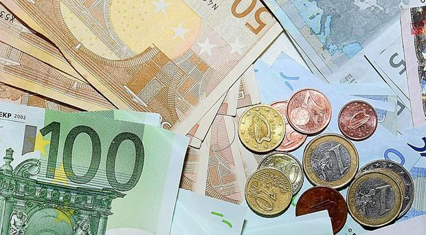 Cheap fuel and food prices are responsible for growth in economic output in the eurozone