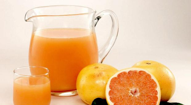 Research suggests drinking orange juice every day could help improve brain function in elderly people