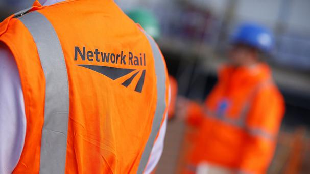 Talks aimed at averting strikes by rail workers in a dispute over pay will resume