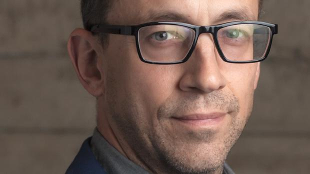 Twitter chief executive Dick Costolo has quit the social network