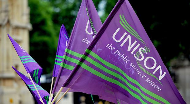 Members of the Unison union are to stage a demonstration in support of Glasgow City Council workers involved in a long-running pay row