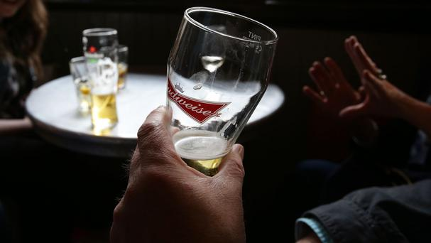 Cutting down on alcohol consumption reduces the risk of heart failure, experts said