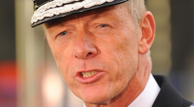 Metropolitan Police commissioner Sir Bernard Hogan-Howe wants to recruit officers who can speak a languages used on London's streets