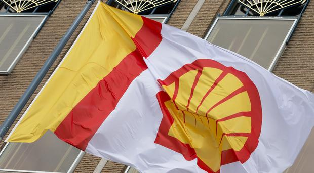 Shell has pulled out of controversial drilling off the coast of Alaska after failing to find sufficient signs of oil and gas to make further exploration worthwhile.