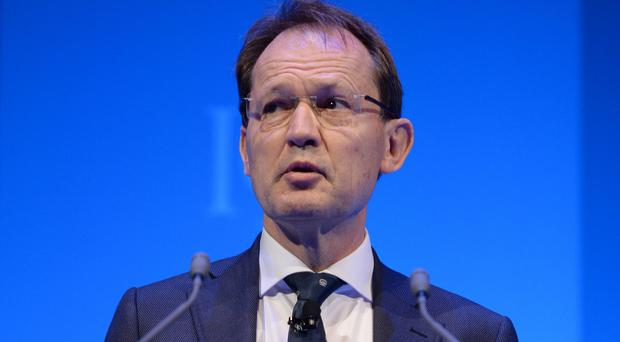 Institute of Directors head Simon Walker says business wants an early referendum on UK membership of the EU