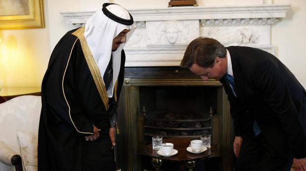 David Cameron meets with Saudi Arabia's king