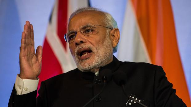 Narendra Modi addresses business leaders and politicians at Guildhall in central London