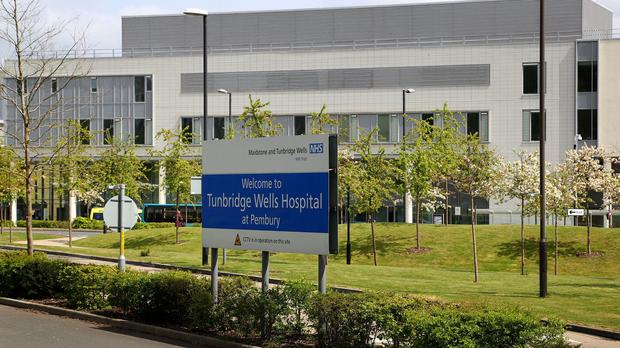 A coroner has criticised the number of steps needed to arrange a CT scan at weekends at Tunbridge Wells Hospital