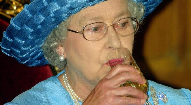The Queen is to present the Gold Service Scholarship to the UK's best young waiter or waitress
