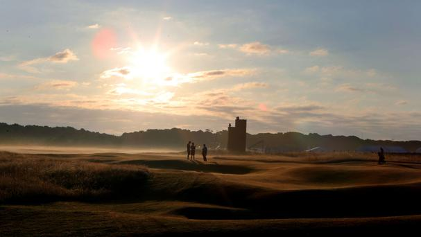 Muirfield Golf Club has voted to remain a male-only club