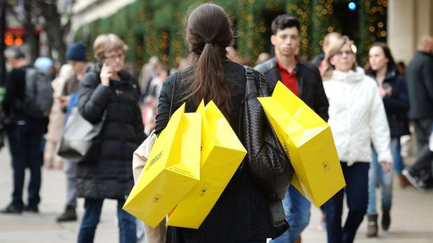 Average store prices fell 2.8 per cent over a year and the amount spent rose 3.1 per cent over the same period